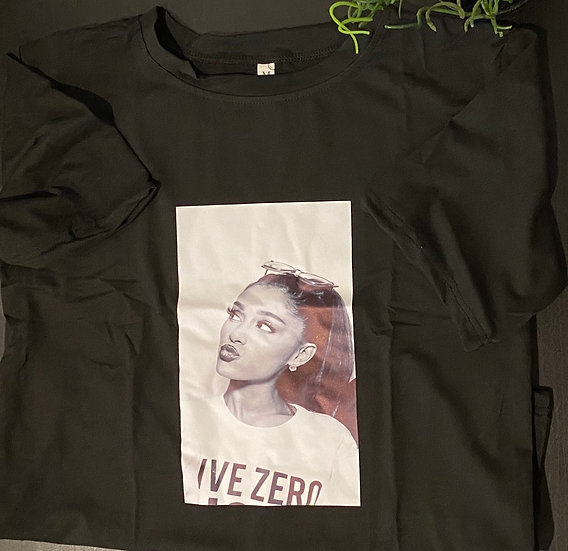 Fashionable  Ariana Grande T-Shirt