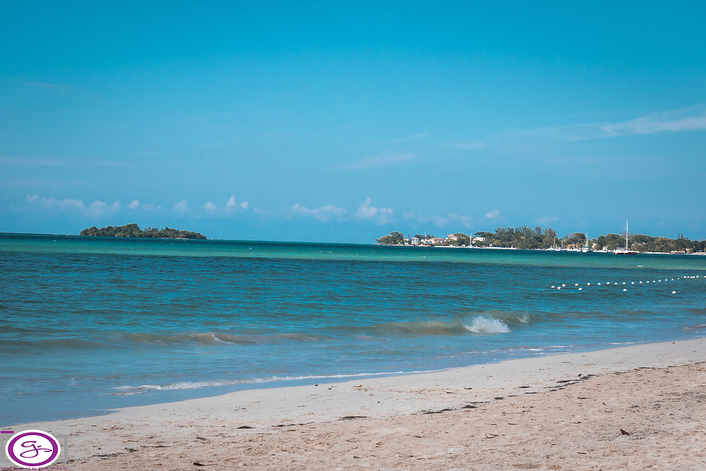 Along the beach in Negril