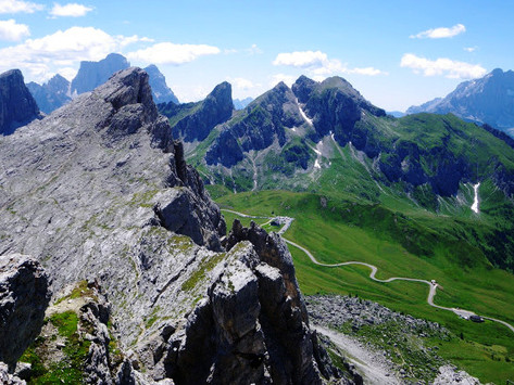 Trekking in the Dolomites - a 7 day self-guided travel itinerary