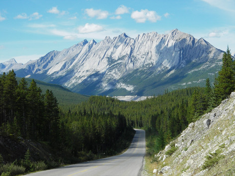 Cycling from Banff to Jasper - a 10 day self-guided travel itinerary