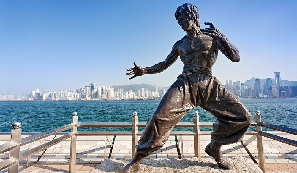 Avenue of the Stars - statue of Bruce Lee