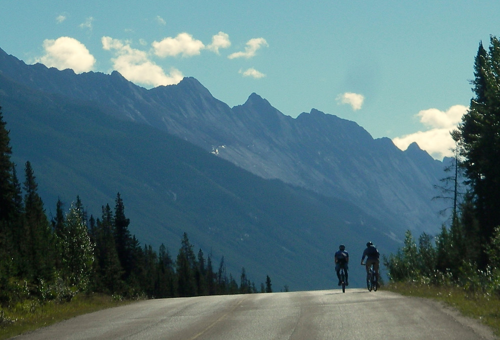 Ride from Jasper to Maligne Lake  www.paradoxtravels.com