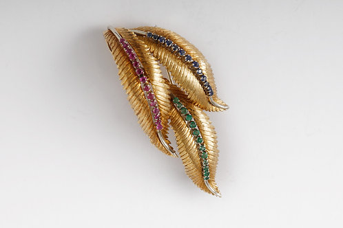 Vintage Leaf Brooch. 18k yellow gold, containing g