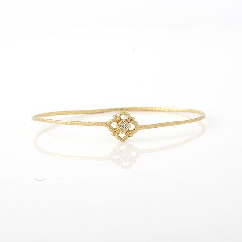 Hammered Wire Slip-on Bangle 18K Yellow Gold Princess Cut Diamond
