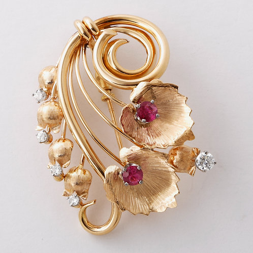 Vintage 1940's 18k Yellow Gold Brooch with Diamond