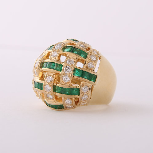 Retro 18K Gold Dome Shape Diamond & Emerald Criss Cross Ring