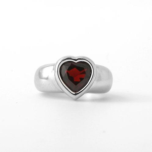 Piaget 18k Contemporary White Gold Garnet Heart Ring Sz 7