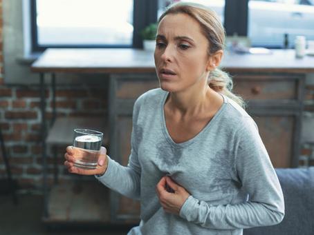 דיקור סיני ותזונה נכונה - טיפולים יעילים לגלי החום והעלייה במשקל הנלווים לגיל המעבר