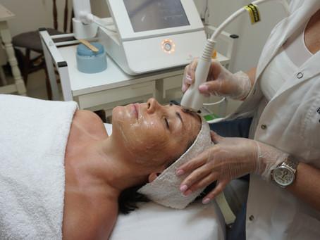 מזותרפיה וגלי רדיו – שילוב של מכשירים מתקדמים בדיוק בזמן לטיפול בעור הפנים בחורף