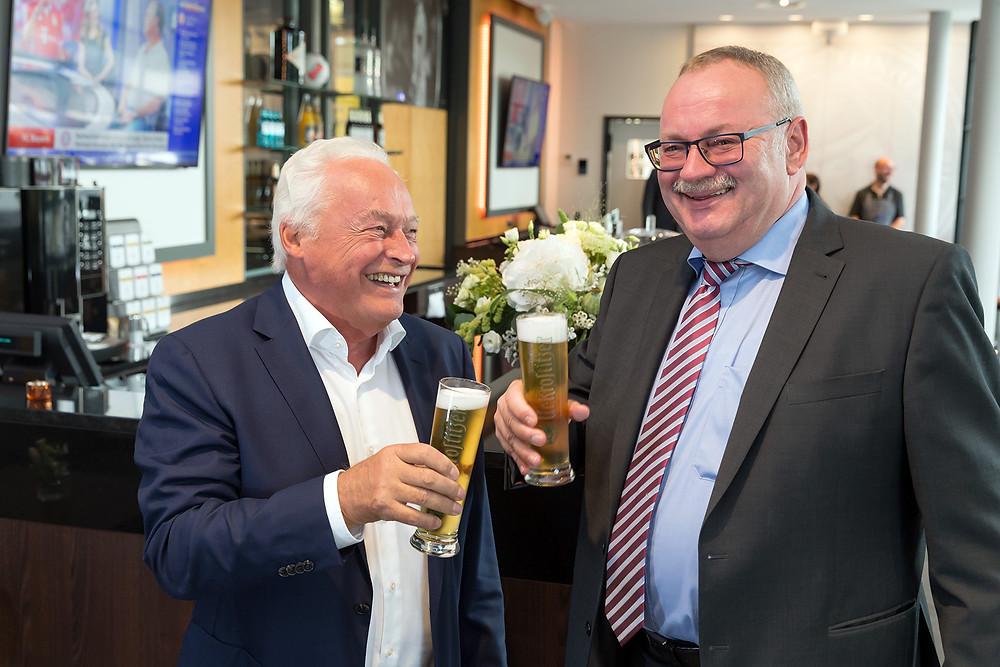 v.l. Winfried Lonzen (Geschäftsführer ZSL Betreibergesellschaft mbH) und Wolfgang Welter (Geschäftsführer Krostitzer Brauerei)