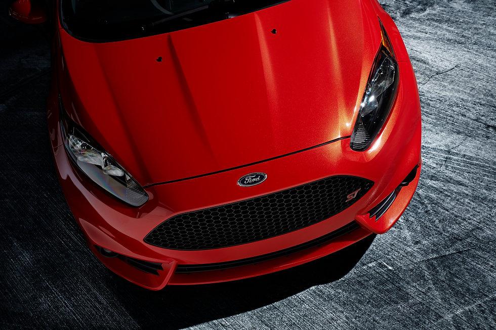 2014-Ford-Fiesta-ST-Hood-4K-UHD-Wallpape