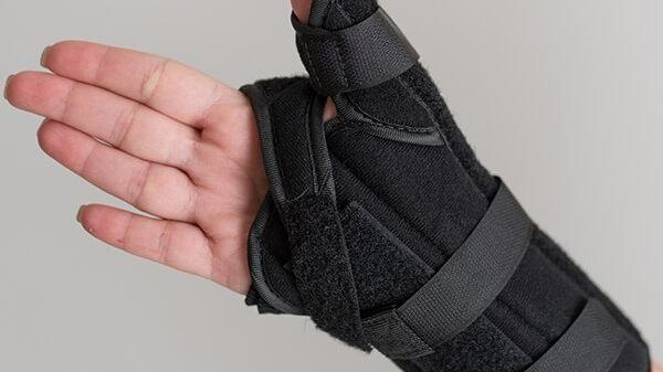 The Maximus Speed Lace Wrist & Thumb Splint