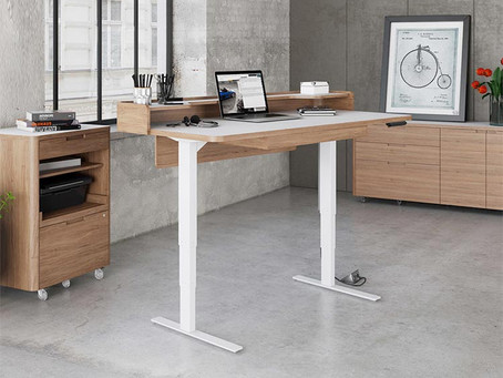 7 Benefits of a Standing Desk