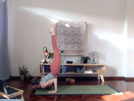 Tips for sticking to your online yoga class practice