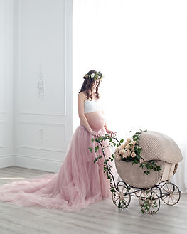 Aspen Florist Maternity Shoot w/ Petra King Photography