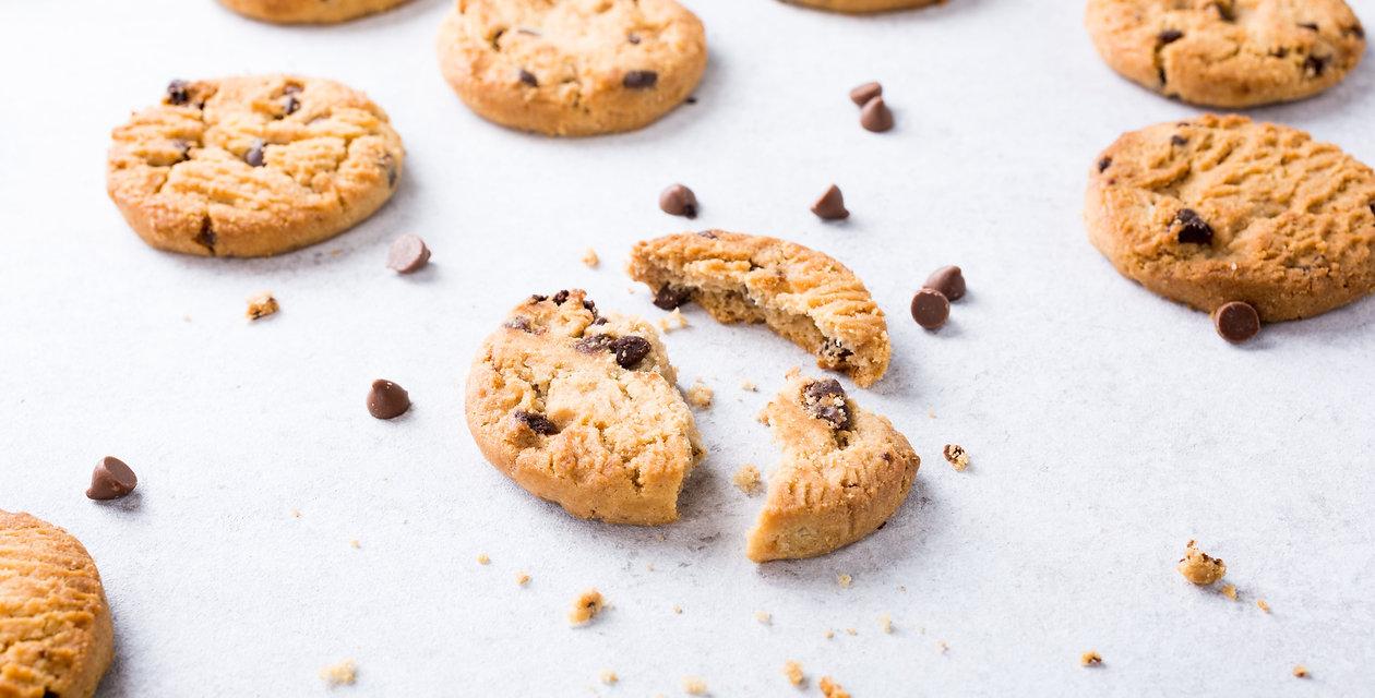 chocolate-chip-cookies-M9TSPDH-min.jpg