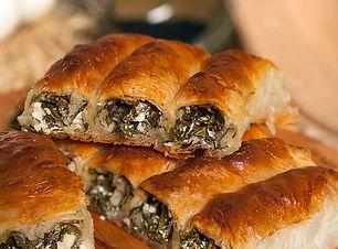 ispanakli-peynirli-kol-boregi-e139971130