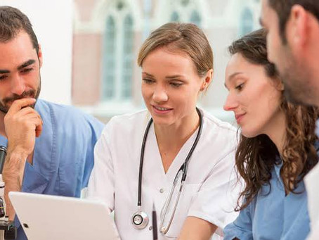 Five Qualities that Makes a Good Mentor - Nurses and their Stories