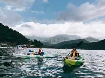 冒險上癮:燈火闌珊處的獨木舟