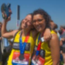 london-HACKNEY-HALF-MARATHON-2018-friends-runners