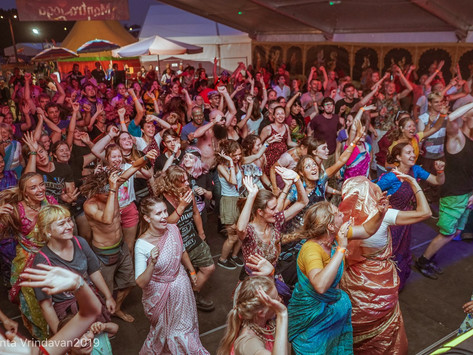 Blossoming our Bhakti through Association (by Kirti Ganesh)