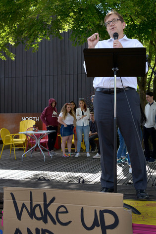 Minister Jonathan Wilkinson was invited by students to speak at a Fridays for Future protest, in his riding of North Vancouver. He was Canada's Minister of Fisheries and Oceans at the time. During a cabinet shuffle he was moved to the Environment and Climate Change portfolio. North Vancouver, May 2019