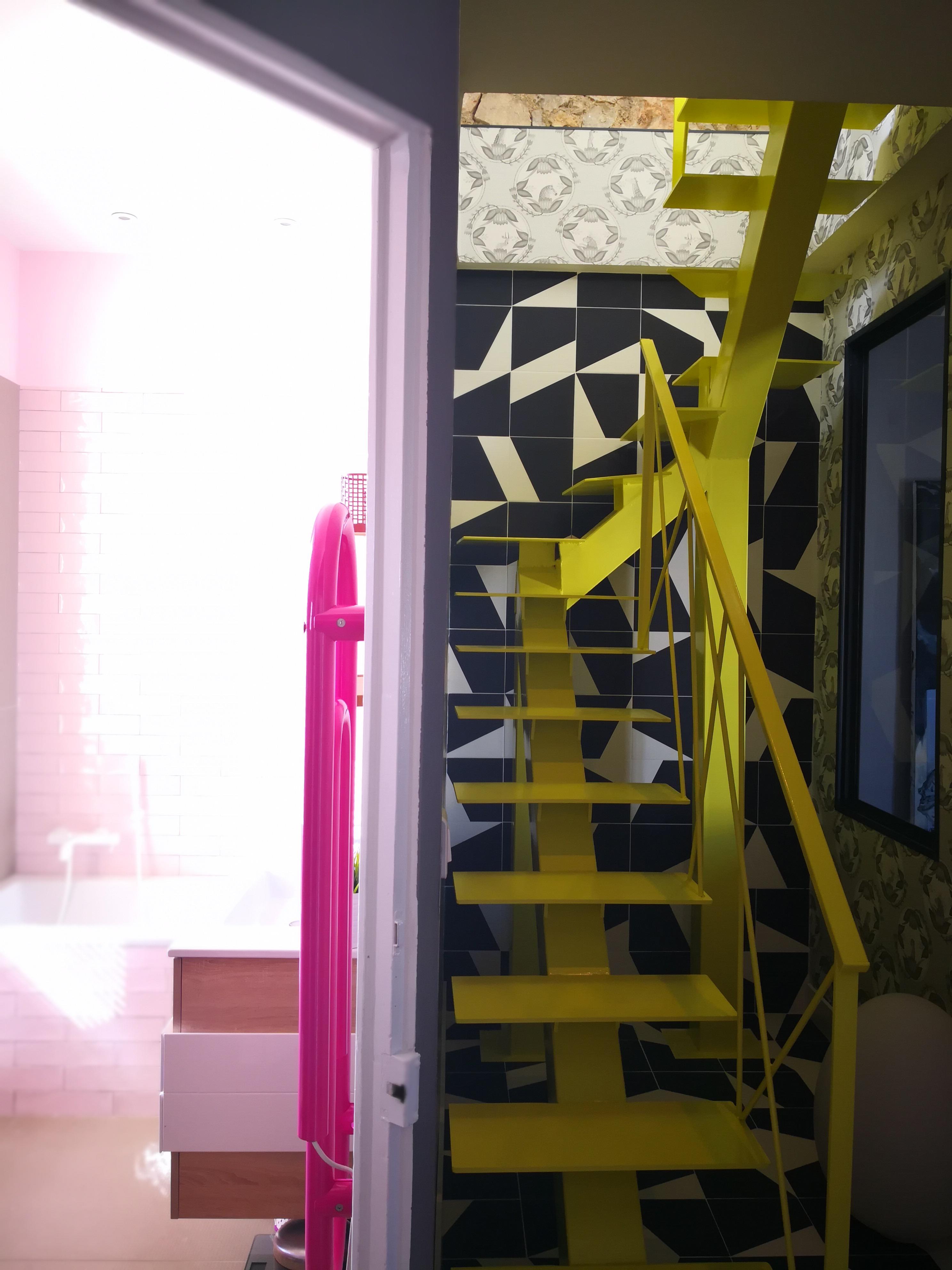 Salle de bain / cage d'escalier
