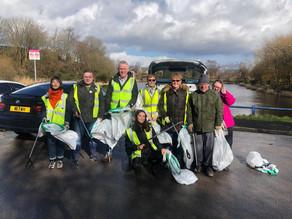 Litter pickers return stolen personal belongings to owner