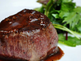 wagyu-filet-mignon-with-shallot-and-red-