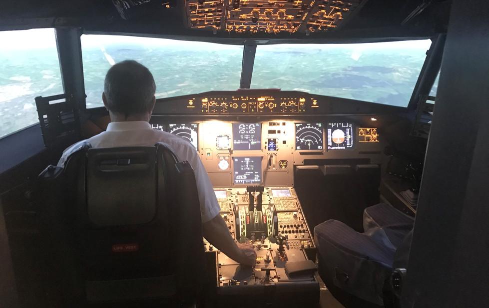 AirbusA320Man.jpg