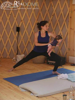 יוגה תינוקות ואמהות