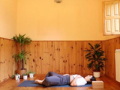 9 Yoga poses to unlock your hips - 9 Posturas para desbloquear tus caderas