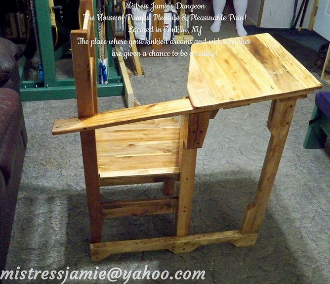 One Piece Desk & Chair Set 01a.jpg