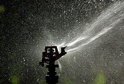 irrigator-1190536-638x432.jpg
