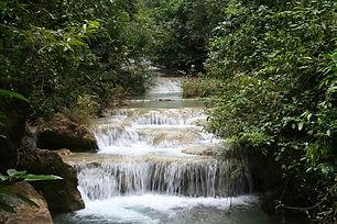 waterfall-1360230-639x426.jpg