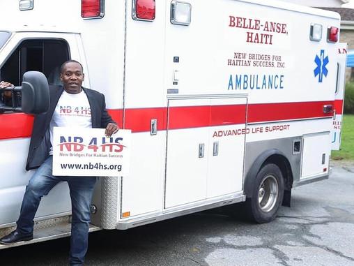 New Bridge for Haitian Success offre une ambulance à la population de Belle-Anse