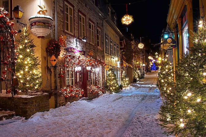 petit-champlain-quebec-city-christmas.jp
