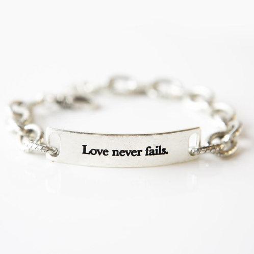 Love Never Fails - Queen - Link Bracelet