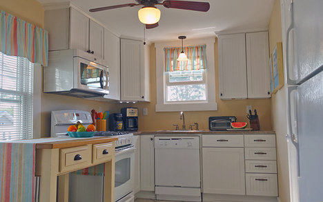 Cook's Kitchen With Granite