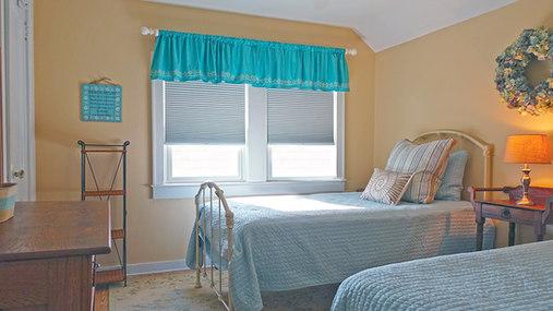 Second Bedroom - 2 Twins