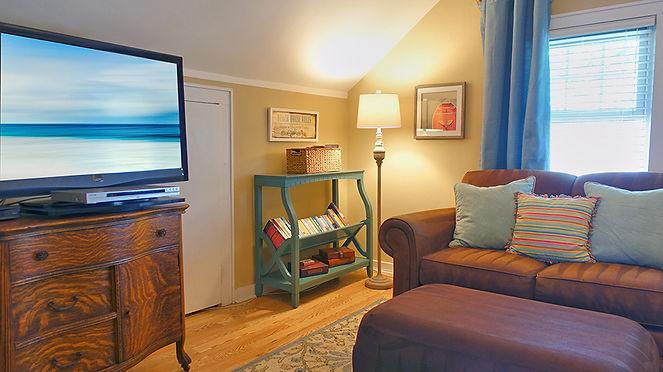 Blue Hydrangea Cottage Living Room