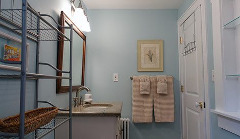 Immaculate Bathroom With Towels Included