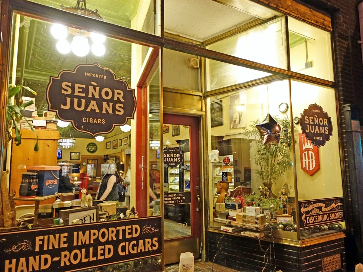 Senor Juans Cigar Lounge