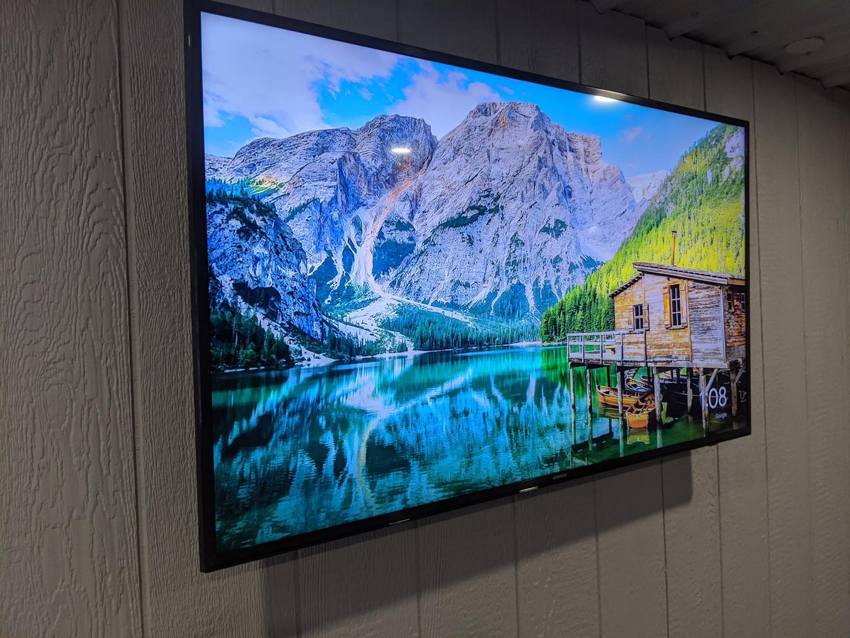 TV WallMounted