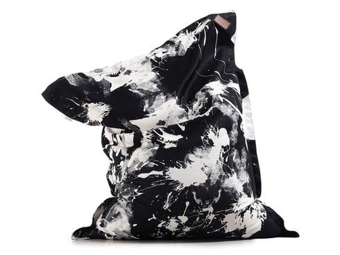 Puff com estampa exclusiva le modiste originals PB preto e branco produzida pela empresa francesa lazy life paris