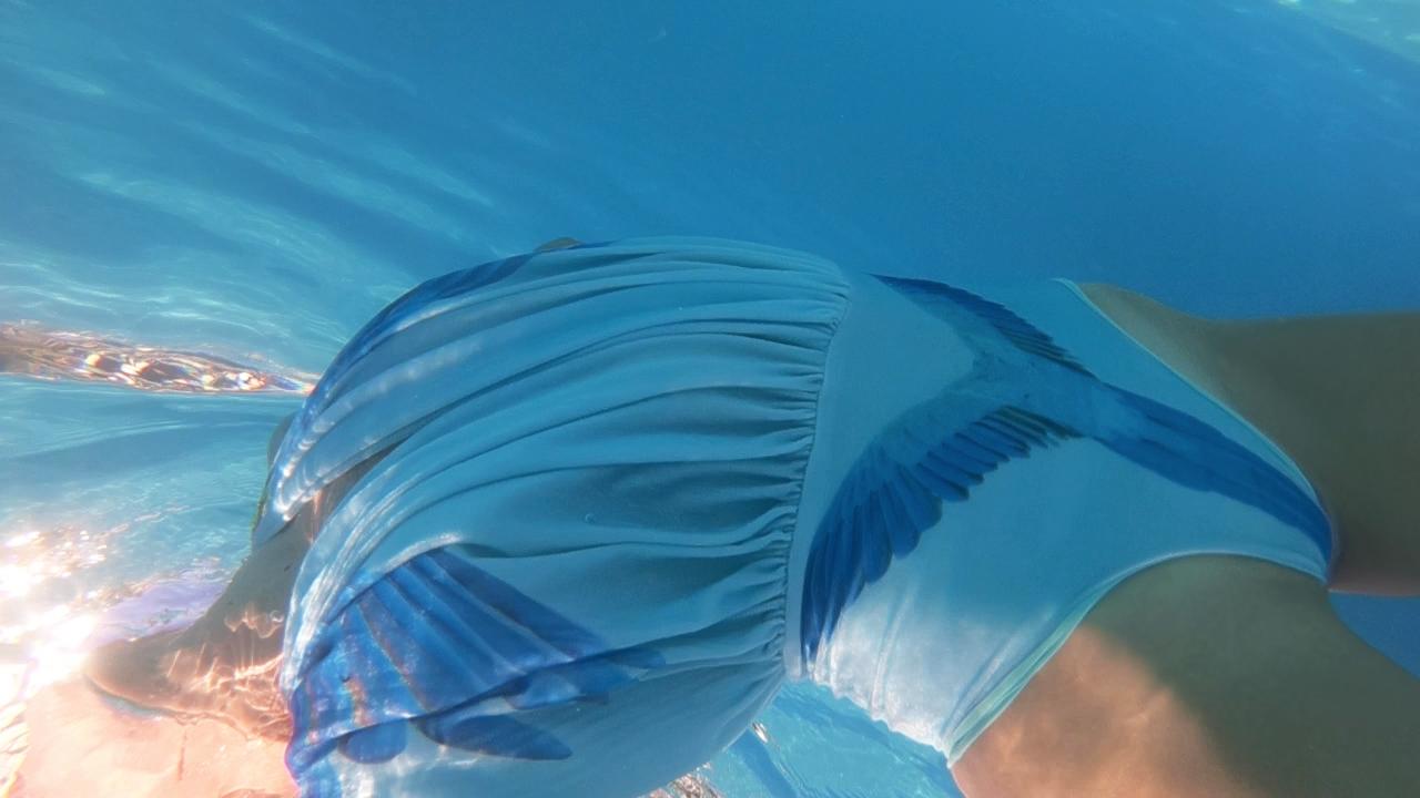 lilli piscina maio azul 01.png