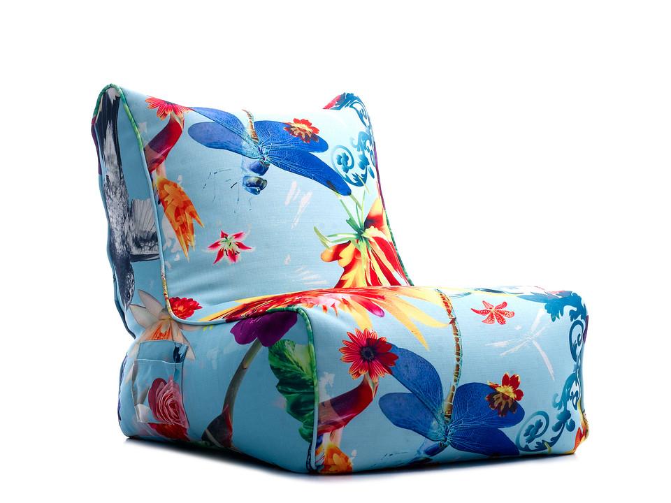 Poltrona com estampa exclusiva le modiste originals floral tropical produzida pela empresa francesa lazy life paris