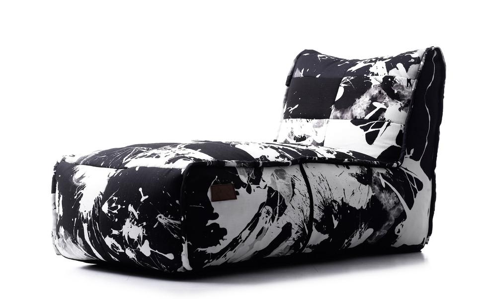 Poltrona com estampa exclusiva le modiste originals PB preto e branco produzida pela empresa francesa lazy life paris
