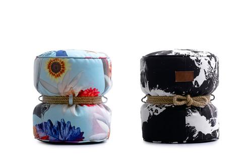 puff redondo com estampa exclusiva le modiste originals PB preto e branco e floral produzida pela empresa francesa lazy life paris