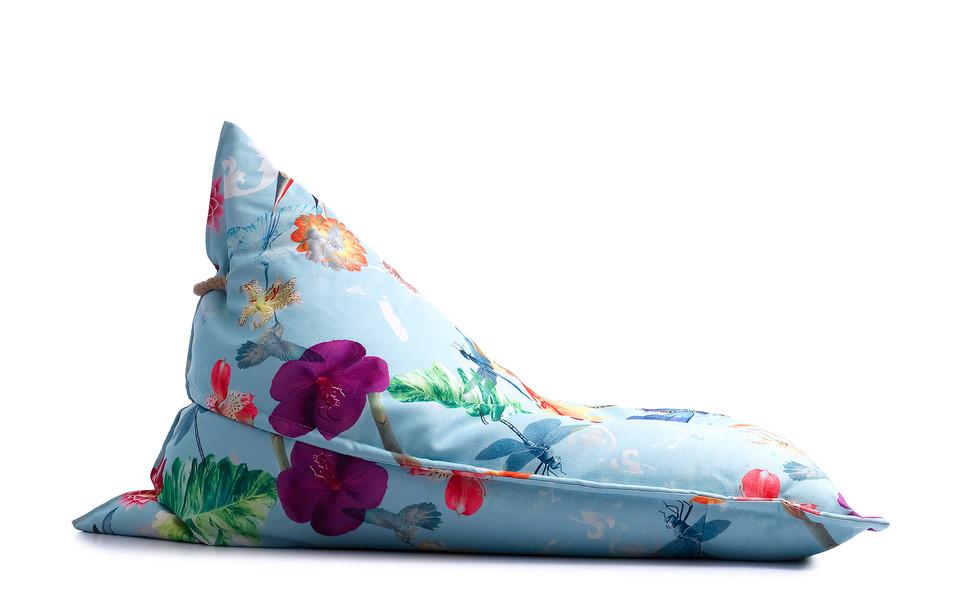 Poltrona com estampa exclusiva le modiste originals floral tropical produzida pela empresa francesa lazy life parisPoltrona com estampa exclusiva le modiste originals PB preto e branco produzida pela empresa francesa lazy life paris